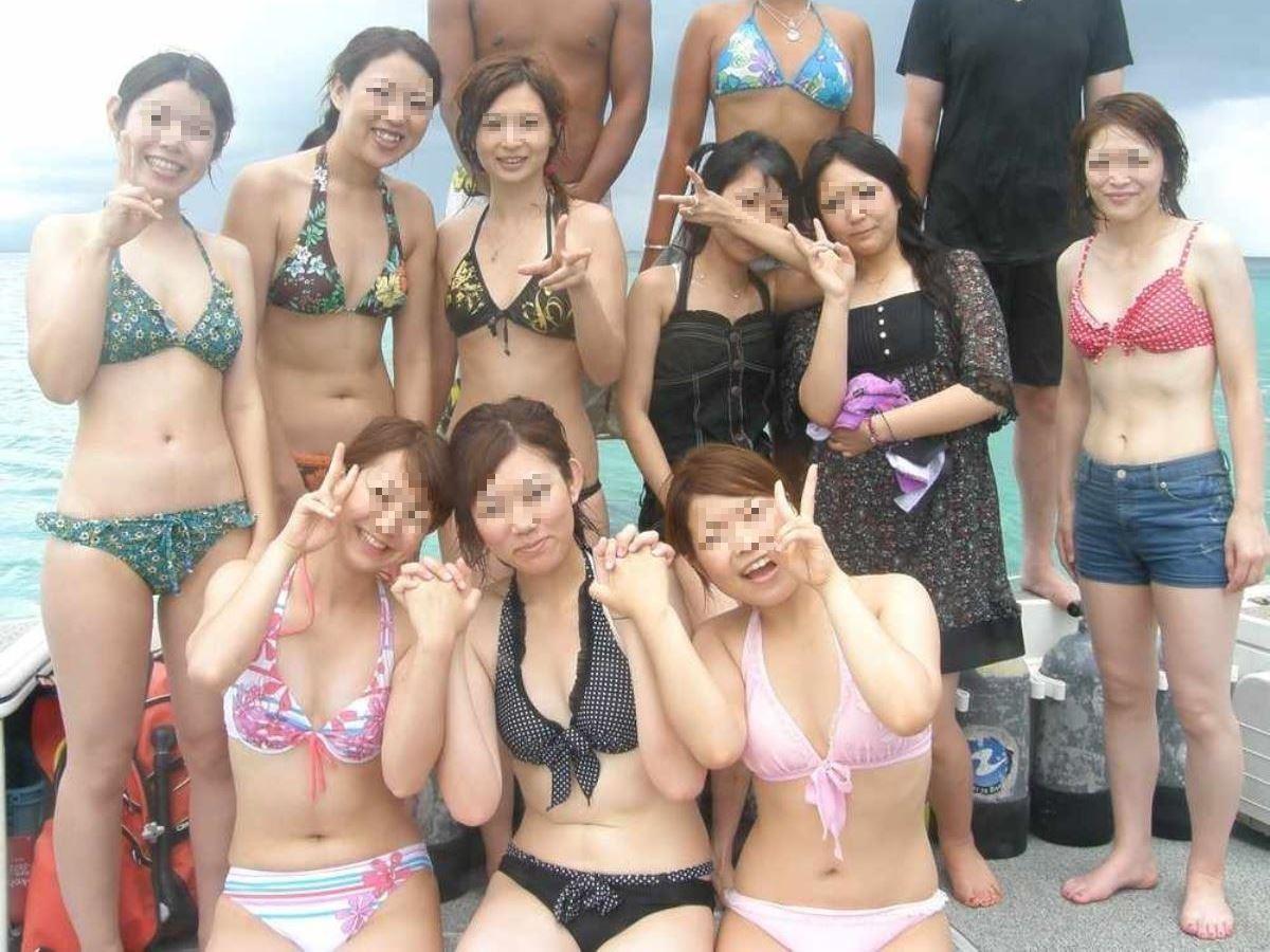 水着ギャル 記念撮影 集合写真 素人ビキニ画像 50