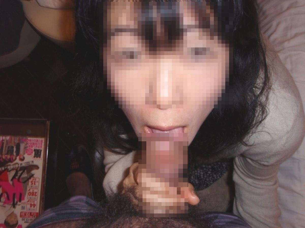 おばさん 口技 舌技 素人 熟女 フェラチオ エロ画像 58