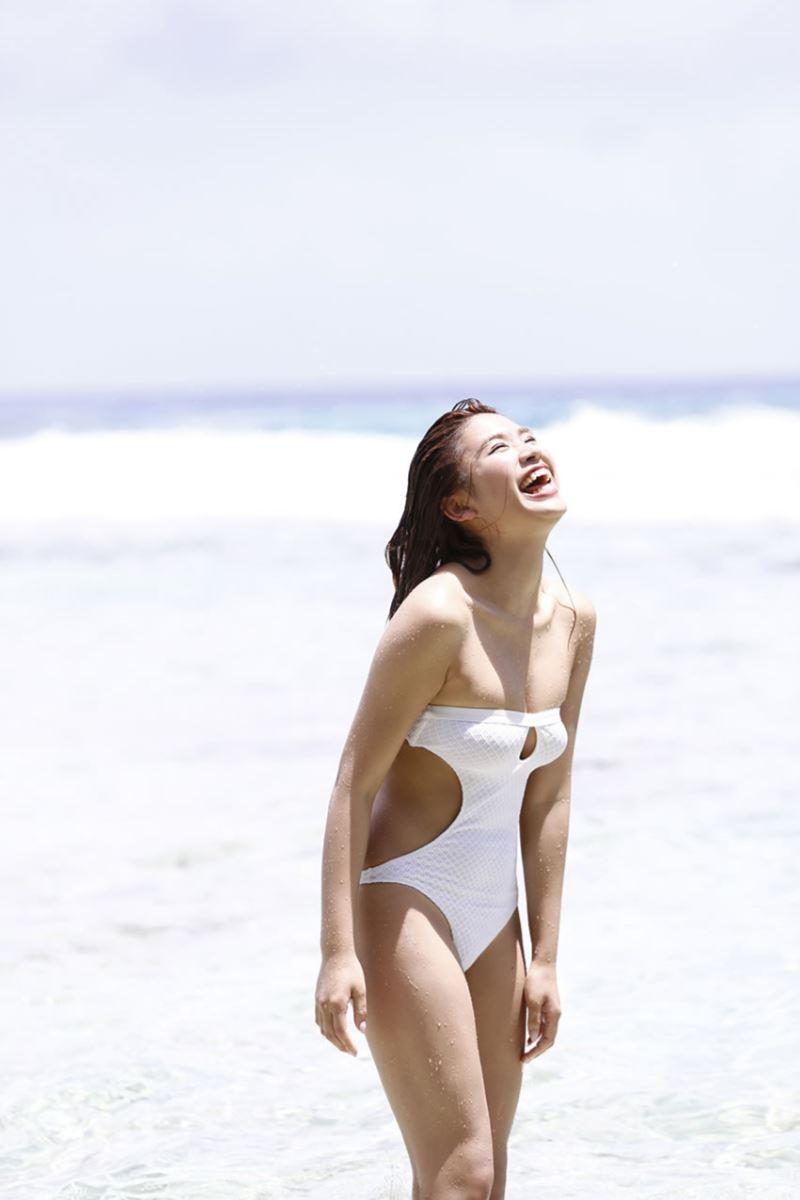 久松郁実 可愛すぎる 最新 グラビア 水着 画像 140