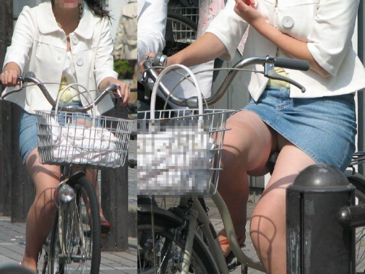 自転車 パンチラ デニム ミニ スカート エロ画像 6