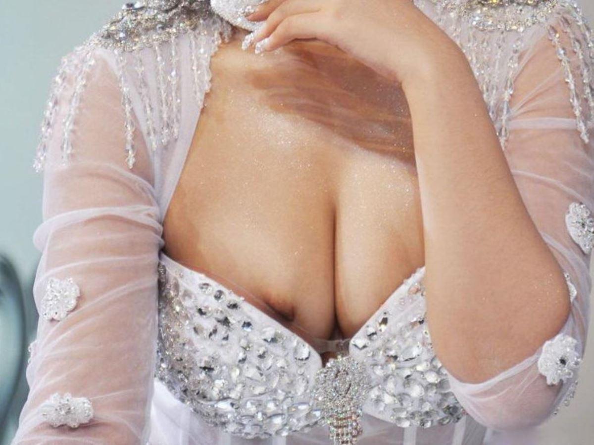 キャンギャル イベコン ハミ乳首 ムネチラ エロ画像 30