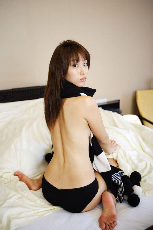 坂下千里子 セクシー 下着 セミヌード 画像 20