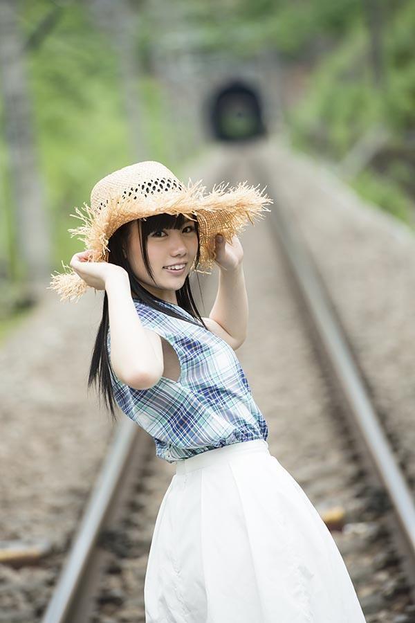 水樹くるみ 可愛いピアノ少女のAVデビュー画像