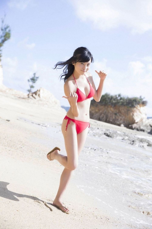 小島瑠璃子 美脚 抜ける 水着 グラビア 画像 10