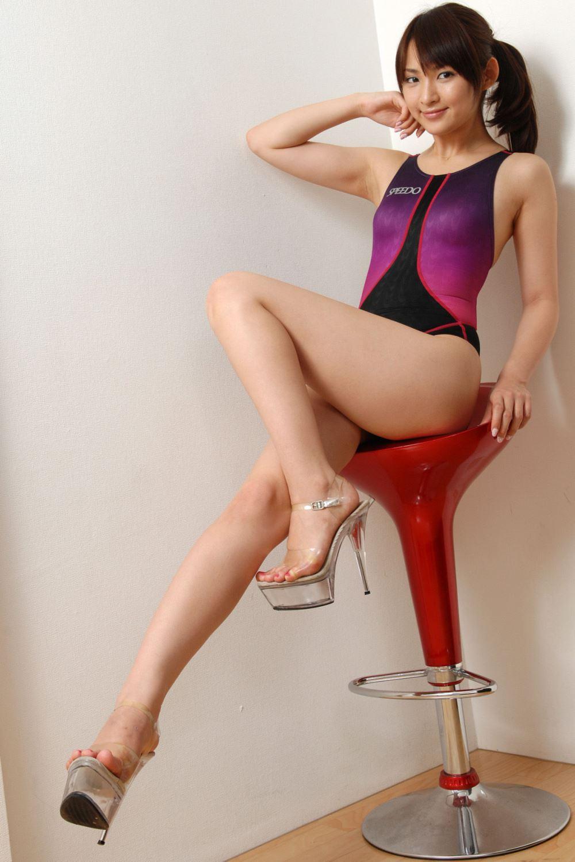競泳水着 ビキニ姿 かわいい 鈴木咲 エロ画像 52
