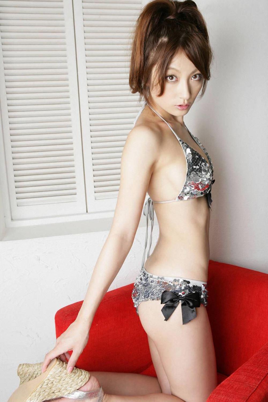 熊田曜子 美腰 Jカップ 美巨乳 水着 エロ画像 14