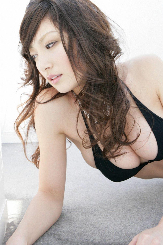 熊田曜子 美腰 Jカップ 美巨乳 水着 エロ画像 57