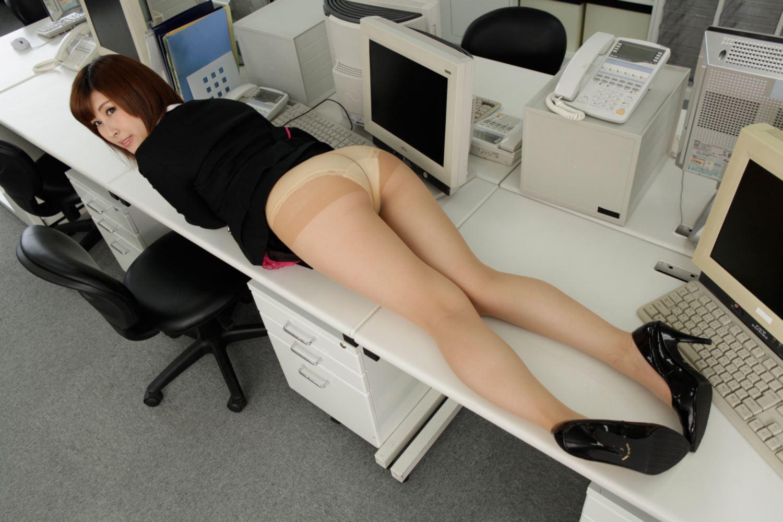 美尻 OL セクハラ 折原ほのか オフィスラブ 画像 6