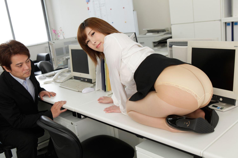 美尻 OL セクハラ 折原ほのか オフィスラブ 画像 14