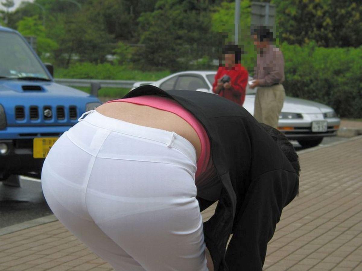 白パンツ パンティライン スケスケ 透けパン エロ画像 16