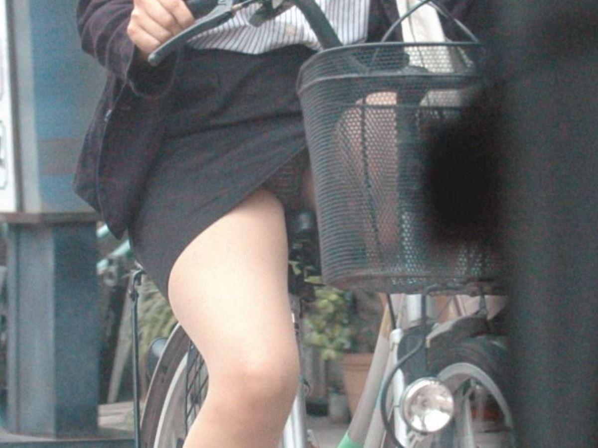 働くお姉さん 盗撮 街撮り パンチラ エロ画像 39