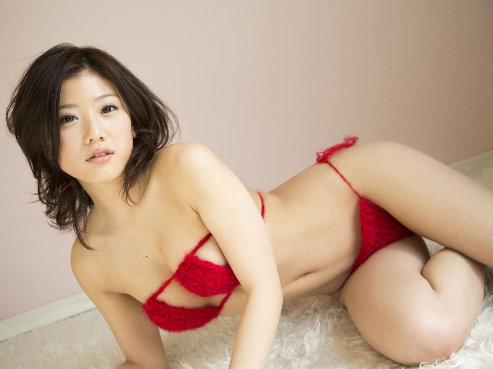 千明芸夢 Eカップ 横乳 過激 水着 エロ画像 34