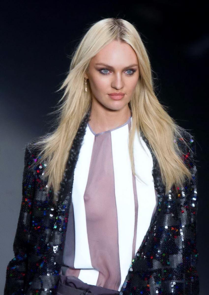 ファッションショー 透け乳首 モロ乳首 女性モデル エロ画像 7