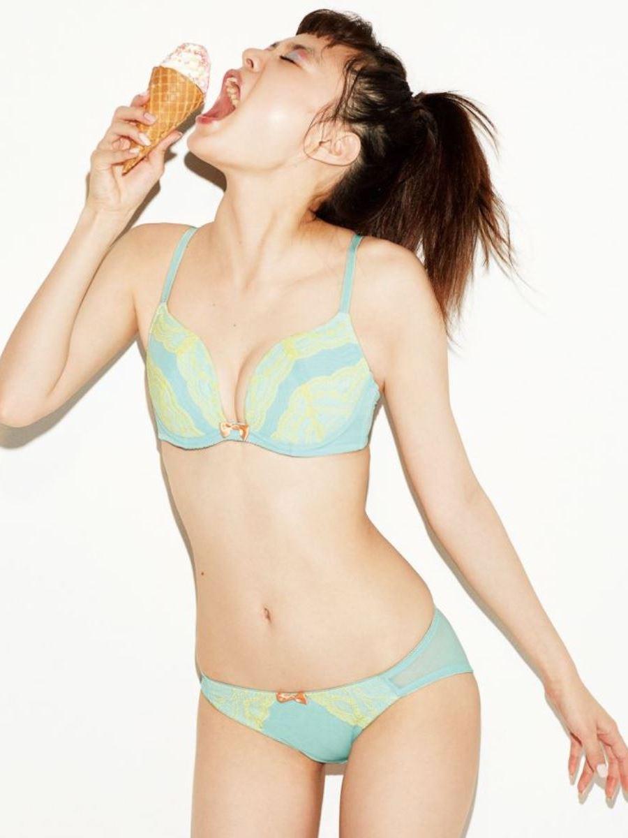 オカズにもなるランジェリーモデルのセクシー画像 47