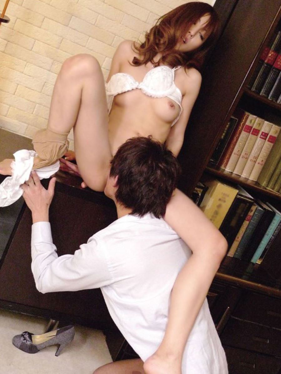 まんこを舐めて女を逝かせるクンニリングス画像 34