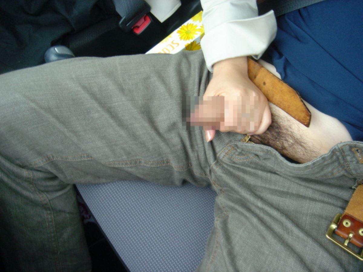 車の中 性器 弄る 手コキ 手マン エロ画像 6