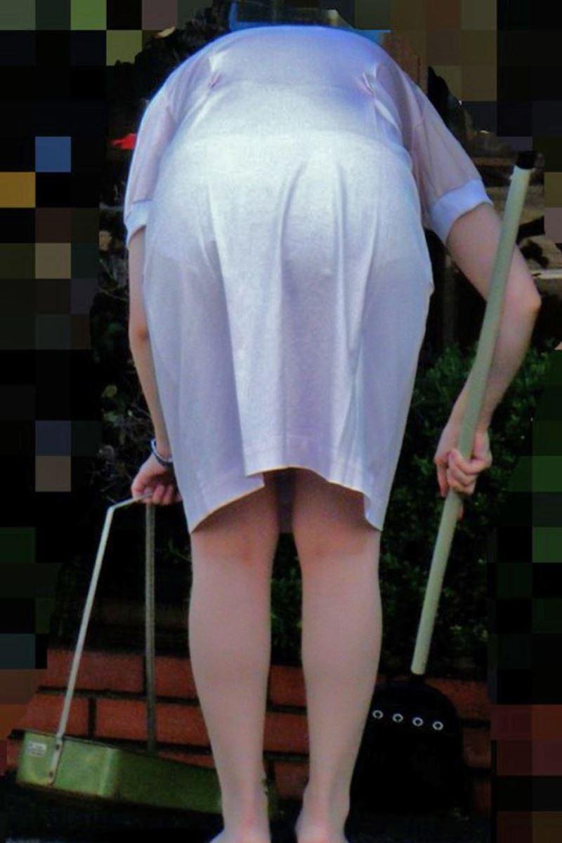 本物ナースを盗撮!!看護師パン透けパンチラ画像画像 10