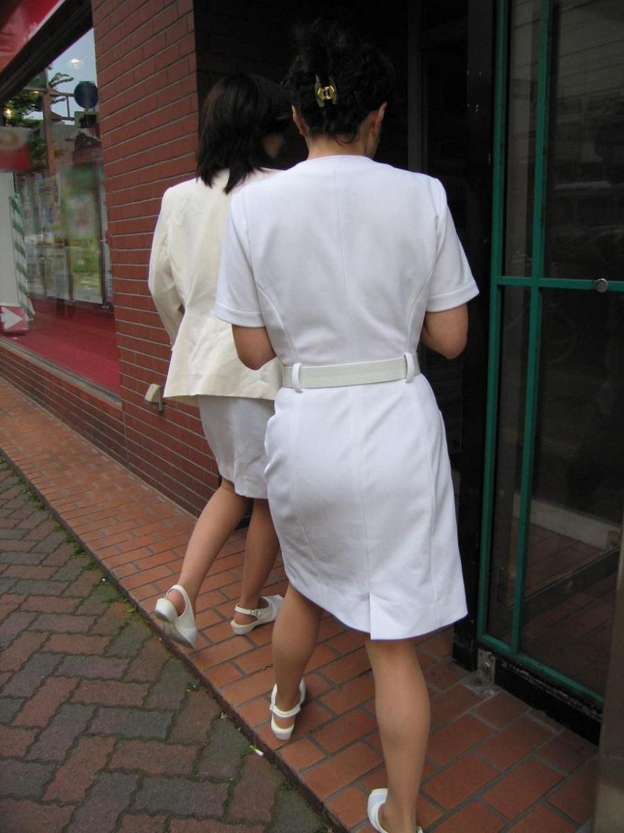 本物ナースを盗撮!!看護師パン透けパンチラ画像画像 28