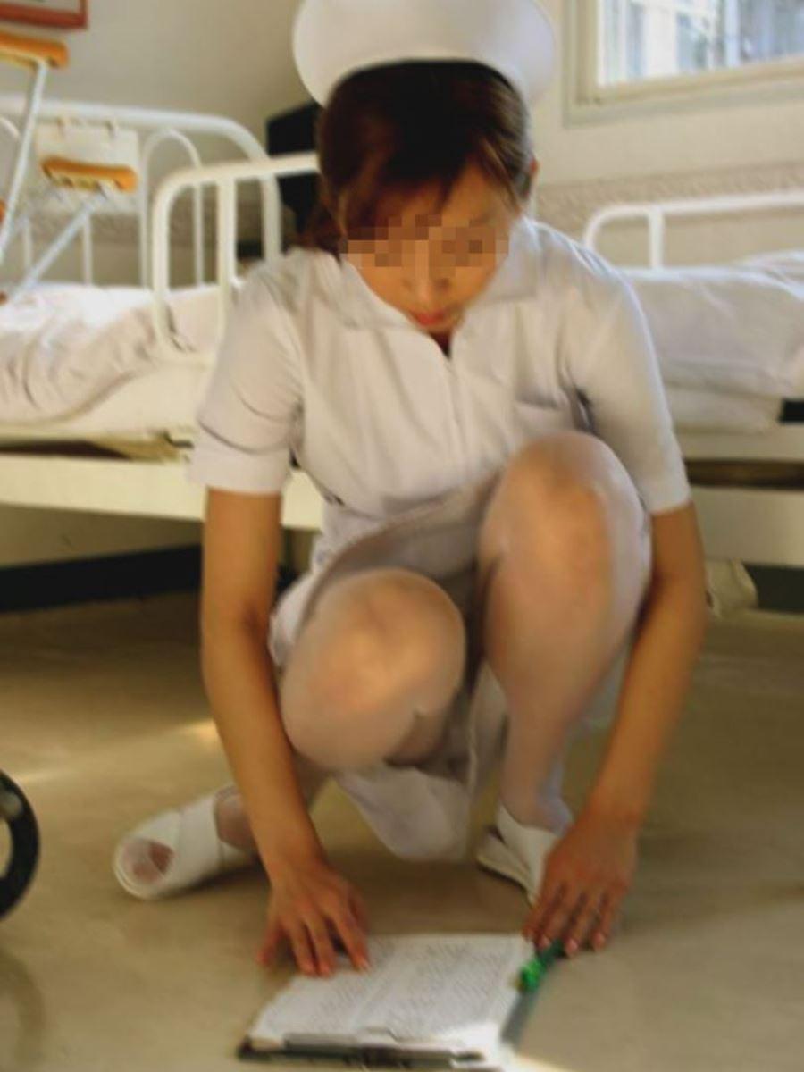 本物ナースを盗撮!!看護師パン透けパンチラ画像画像 33