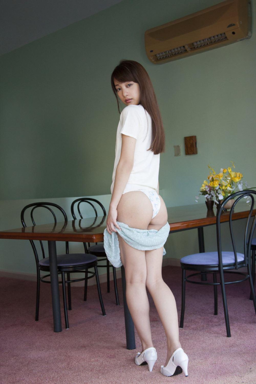 池田ショコラの下着姿がエロカワな過激グラビア画像 68