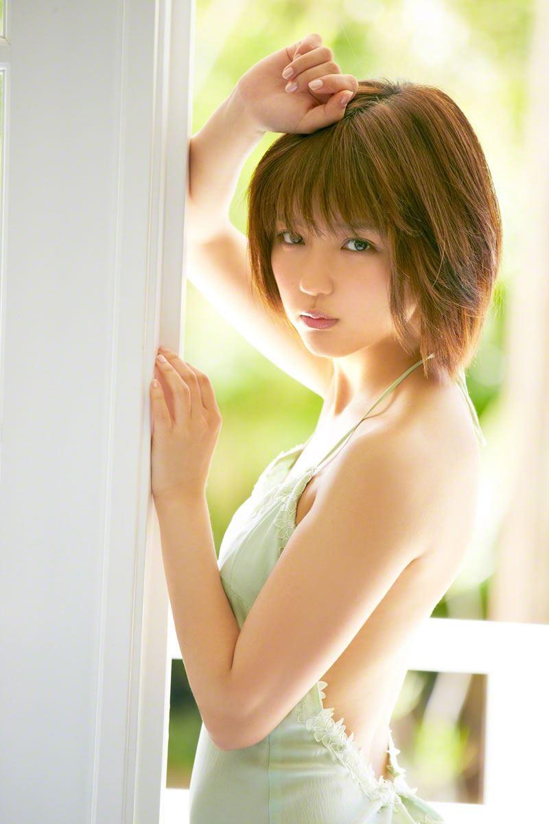 真野恵里菜のビキニ姿が可愛い高画質グラビア画像 22