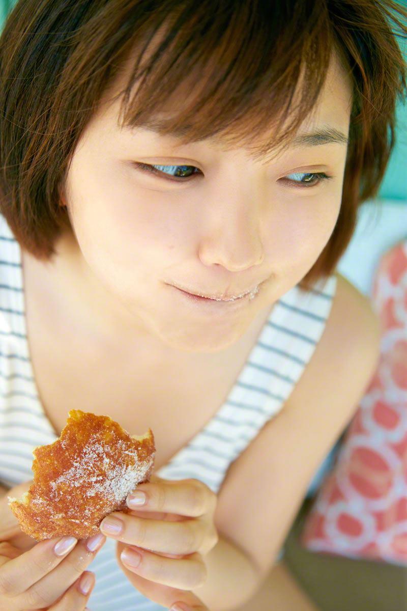 真野恵里菜のビキニ姿が可愛い高画質グラビア画像 66