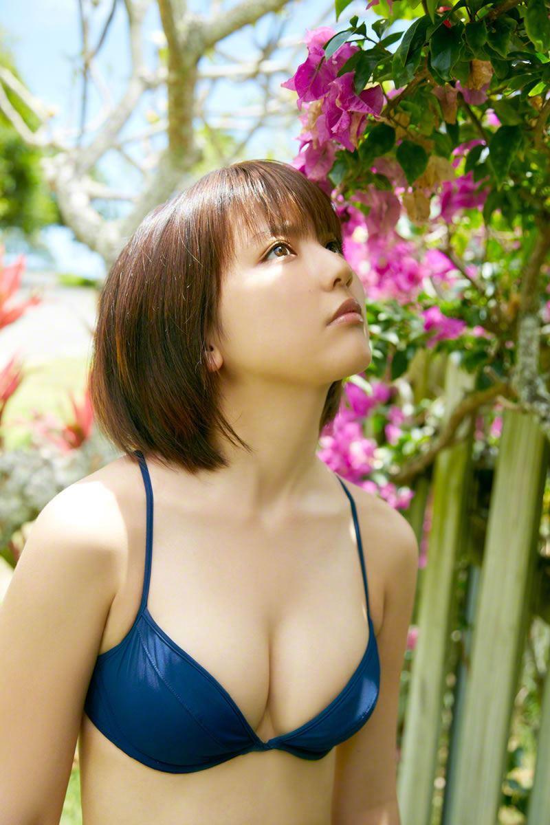 真野恵里菜のビキニ姿が可愛い高画質グラビア画像 75