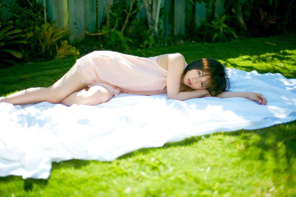 真野恵里菜がエロすぎる水着グラビア画像 11