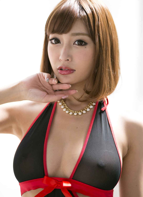 伊野尾慧との密会デートが話題な明日花キララのヌード画像 1