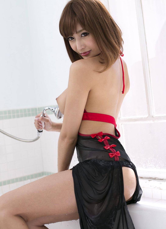 伊野尾慧との密会デートが話題な明日花キララのヌード画像 21