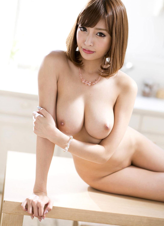 伊野尾慧との密会デートが話題な明日花キララのヌード画像 59