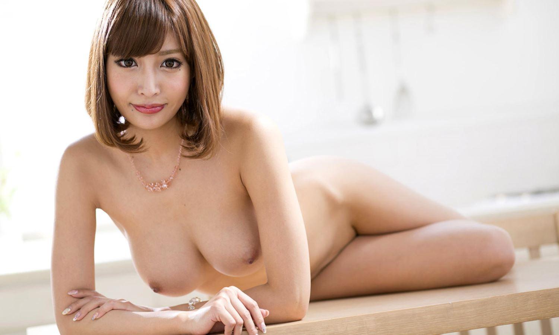 伊野尾慧との密会デートが話題な明日花キララのヌード画像 60