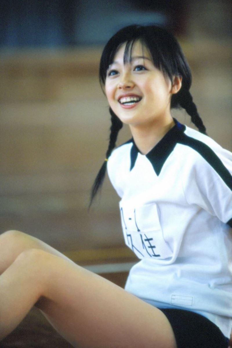 久住小春のセーラー服や体育着姿が可愛いエロ画像 7