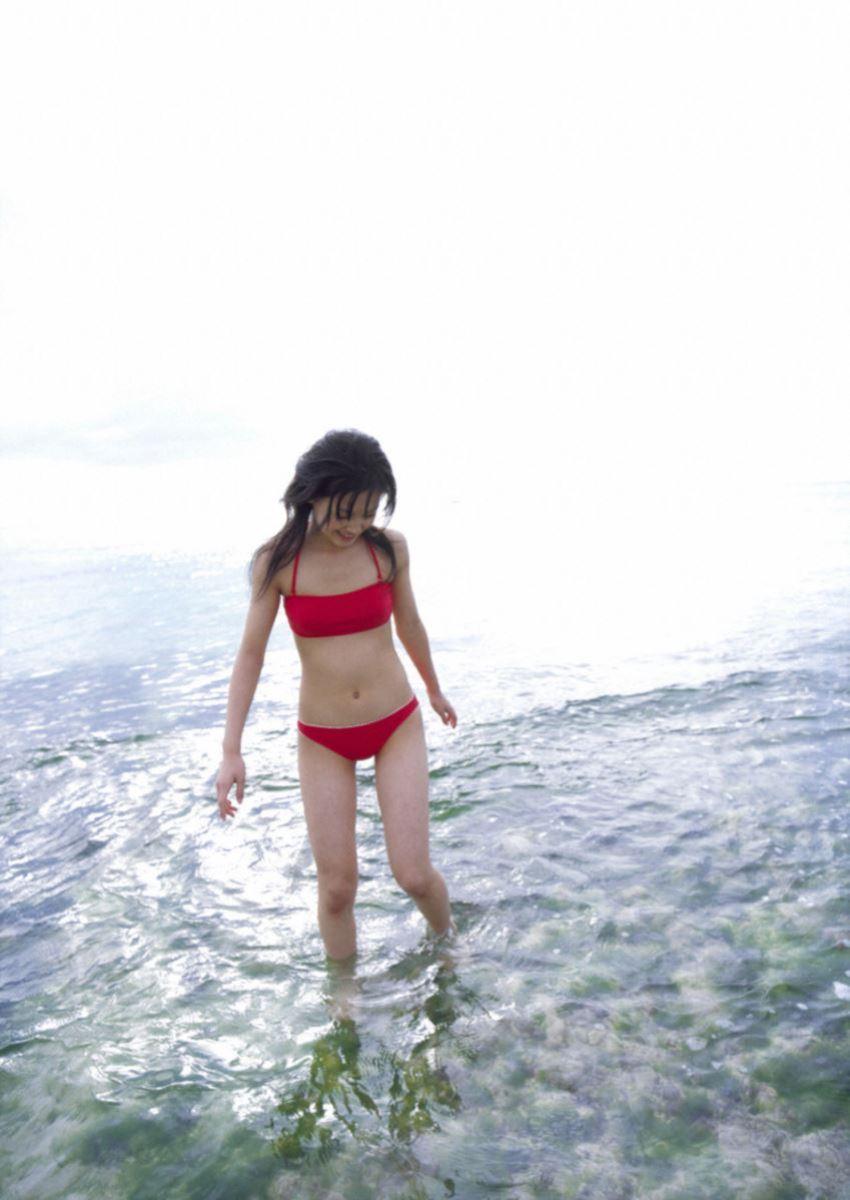 久住小春のセーラー服や体育着姿が可愛いエロ画像 27