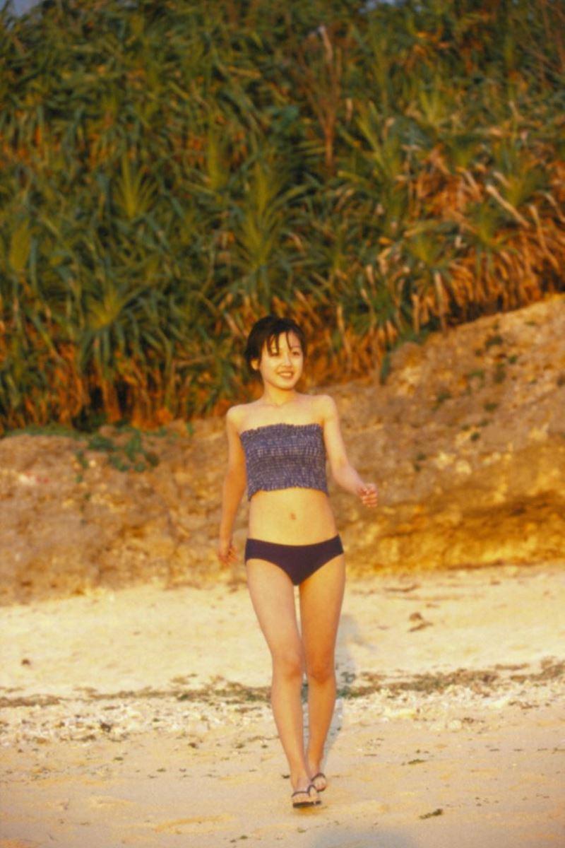 久住小春のセーラー服や体育着姿が可愛いエロ画像 88