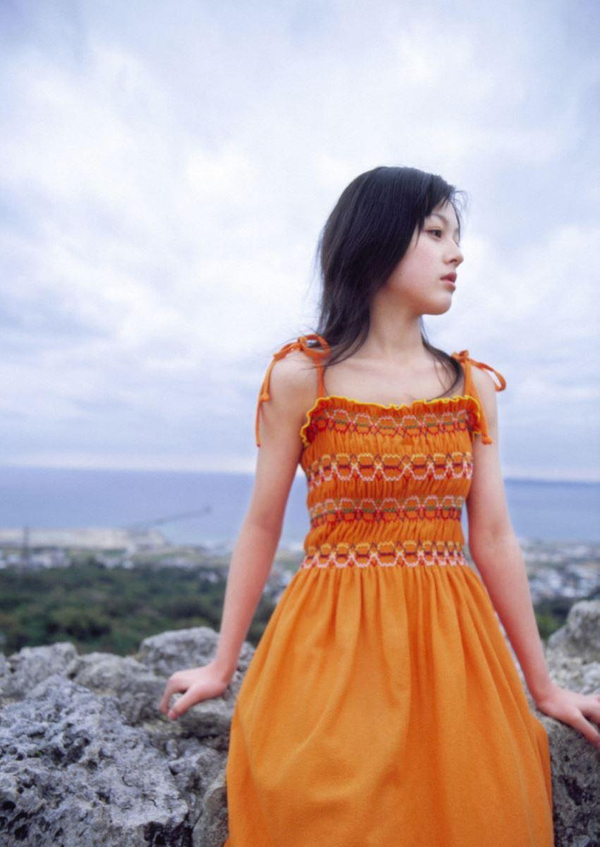 久住小春のセーラー服や体育着姿が可愛いエロ画像 91