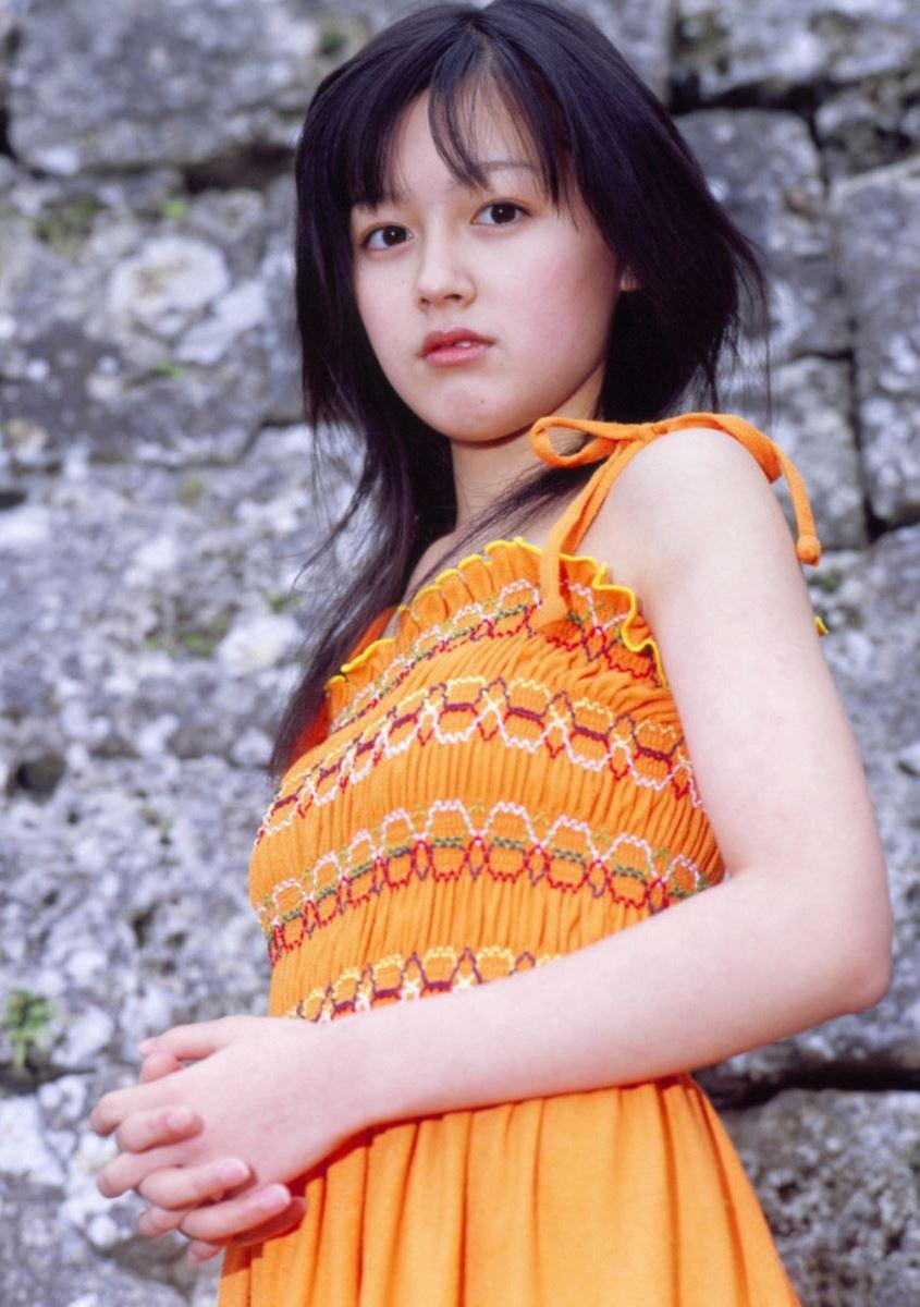 久住小春のセーラー服や体育着姿が可愛いエロ画像 94