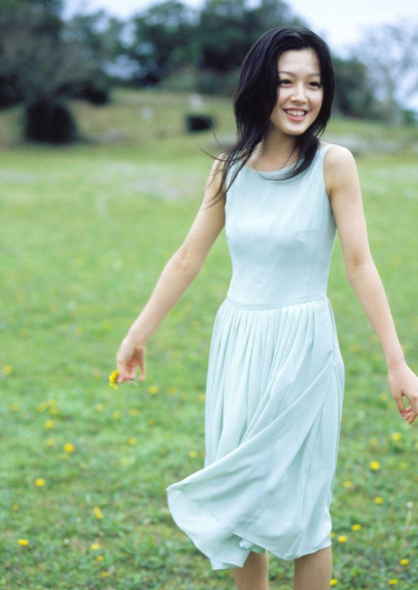 久住小春のセーラー服や体育着姿が可愛いエロ画像 96
