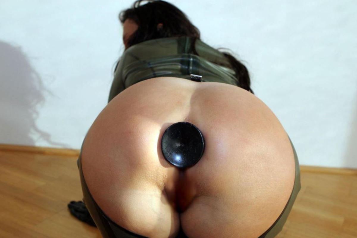 異物挿入で肛門を広げるアナル拡張画像 21