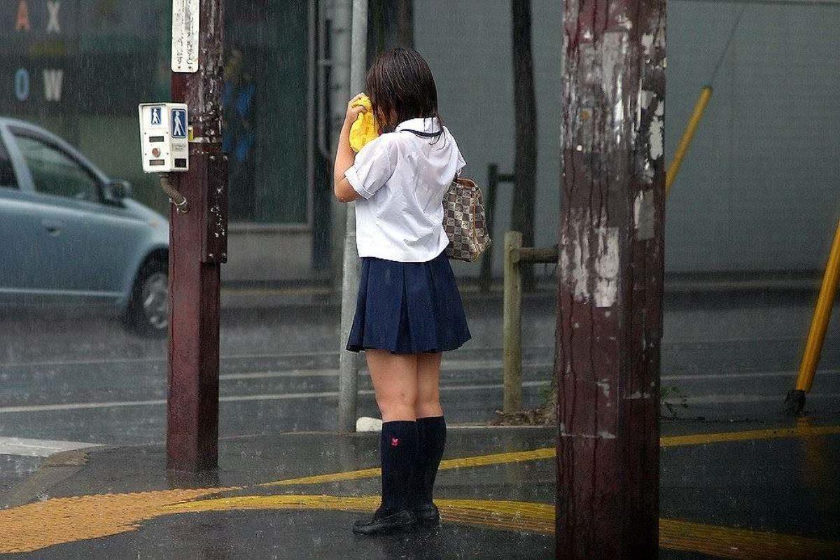 エロく成長する10代女子校生が誰もがガン見する奇跡の瞬間…画像