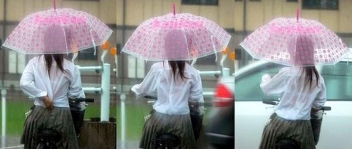 雨に濡れてブラジャー透けてるJKの濡れ透けエロ画像 22