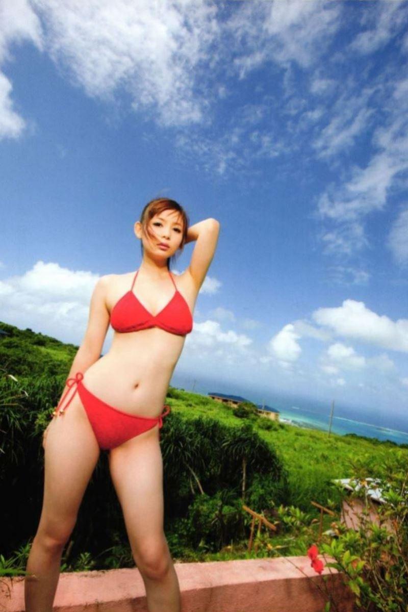 中川翔子の水着写真集「ギザ10」画像 26