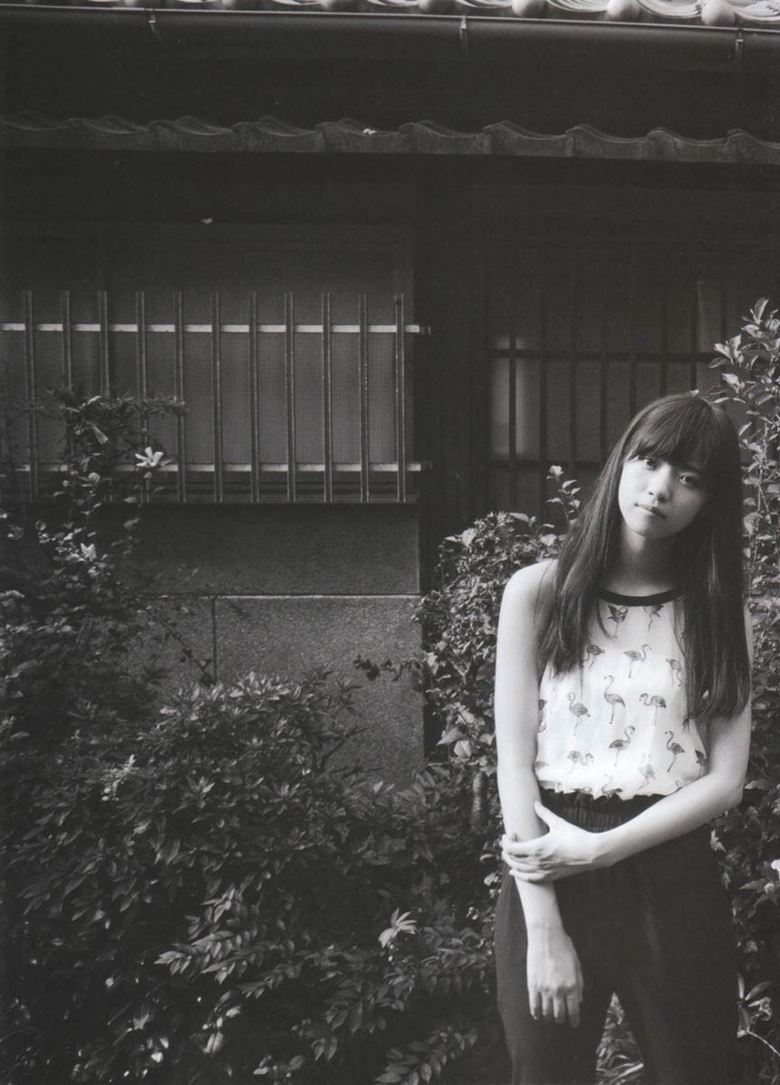 西野七瀬の水着写真集「普段着」エロ画像 10