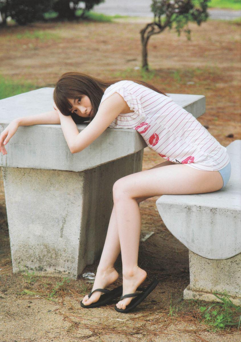 西野七瀬の水着写真集「普段着」エロ画像 14