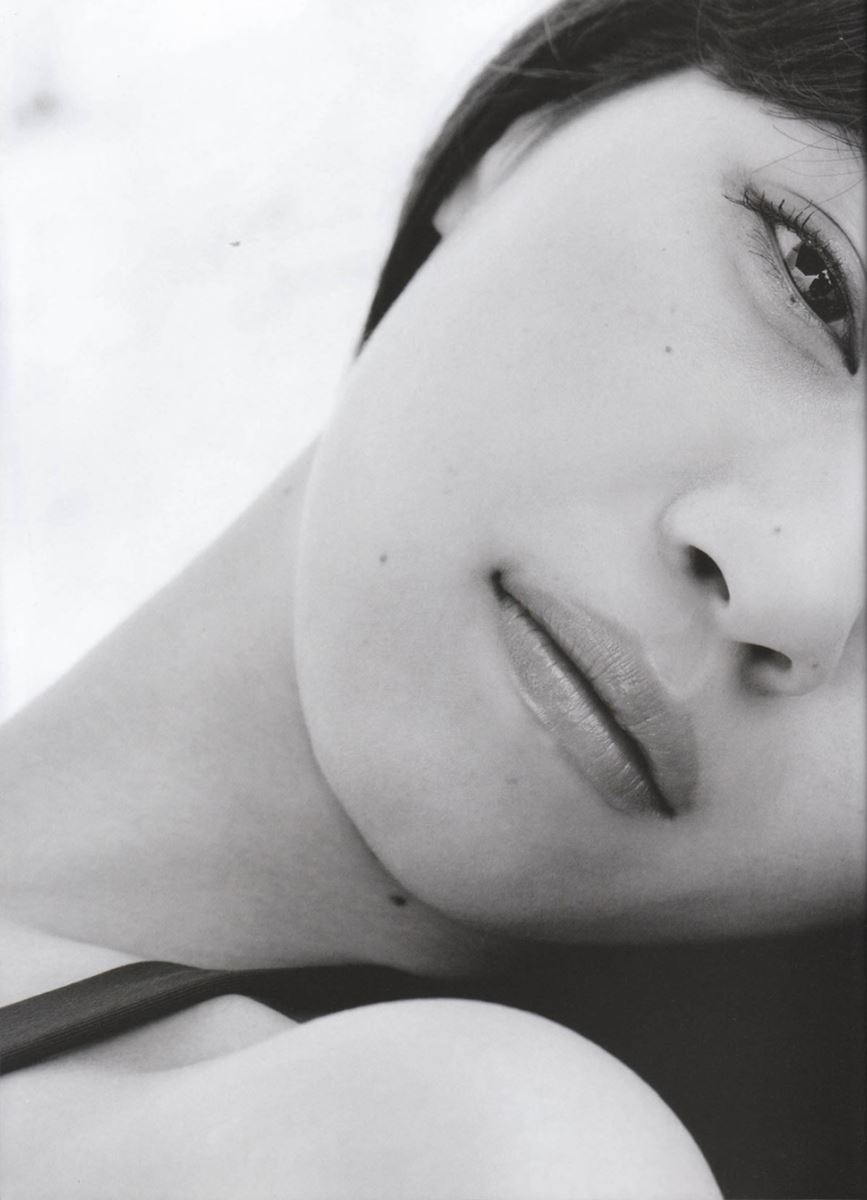 西野七瀬の水着写真集「普段着」エロ画像 20