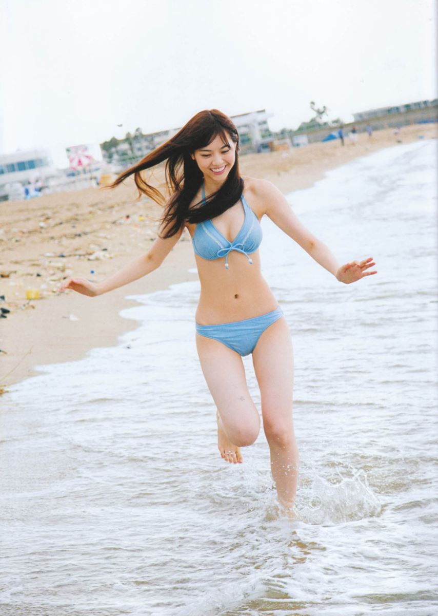 西野七瀬の水着写真集「普段着」エロ画像 30