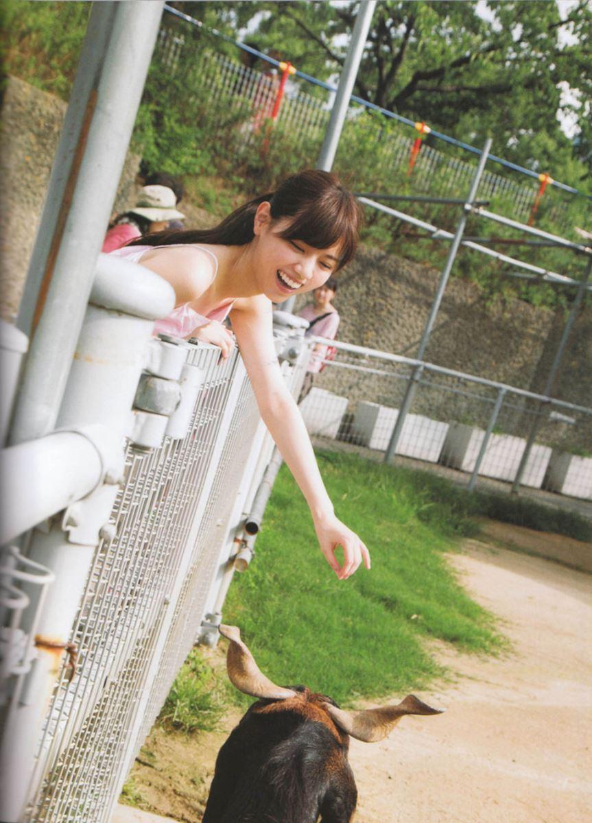 西野七瀬の水着写真集「普段着」エロ画像 49