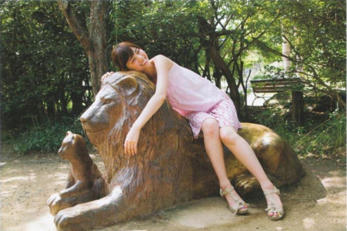 西野七瀬の水着写真集「普段着」エロ画像 53