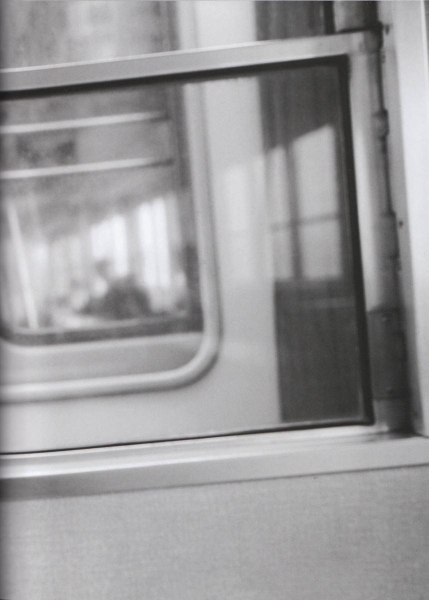 西野七瀬の水着写真集「普段着」エロ画像 59