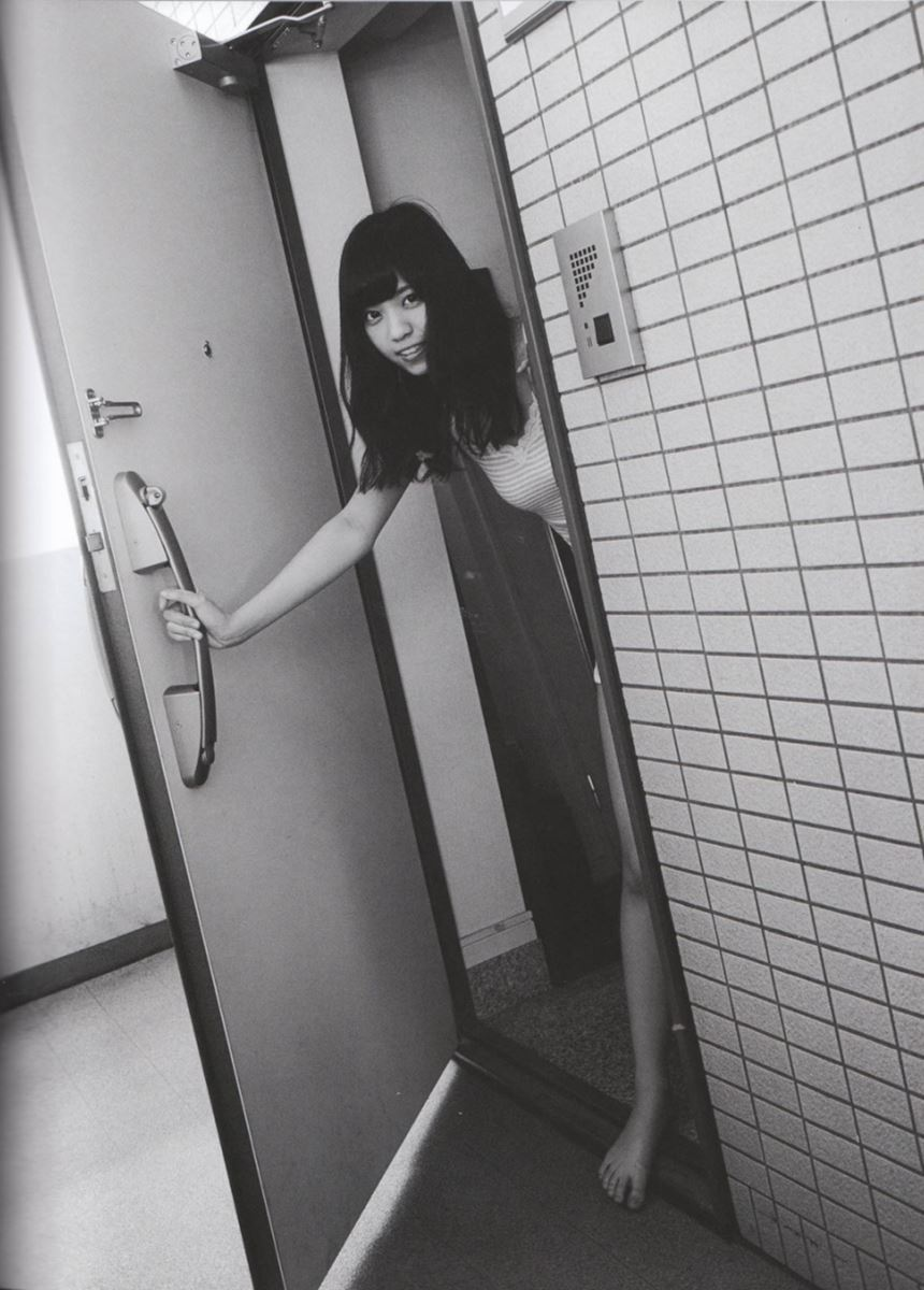 西野七瀬の水着写真集「普段着」エロ画像 60